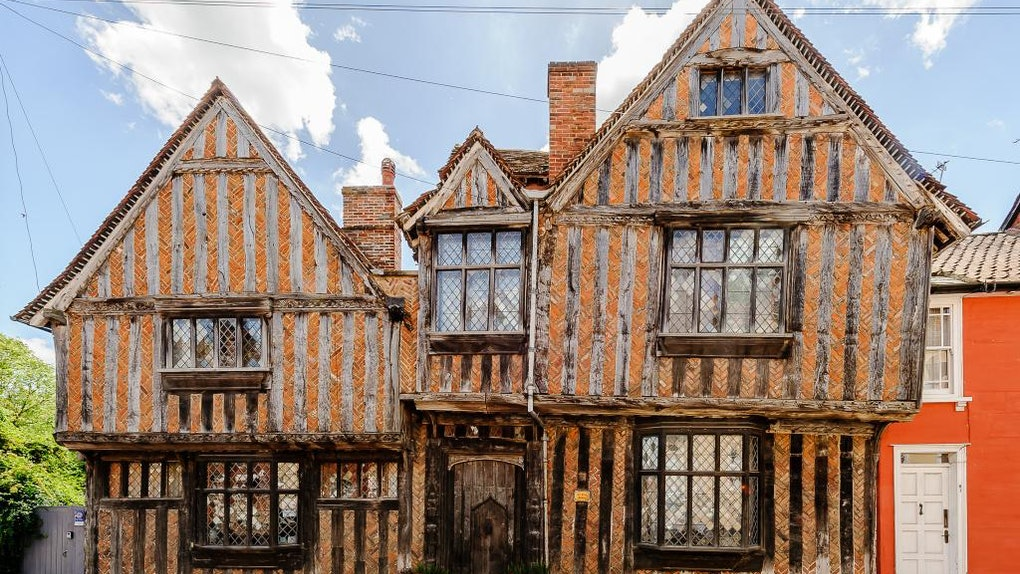 Exterior of Harry Potter's childhood home in the 'Harry Potter' movie.