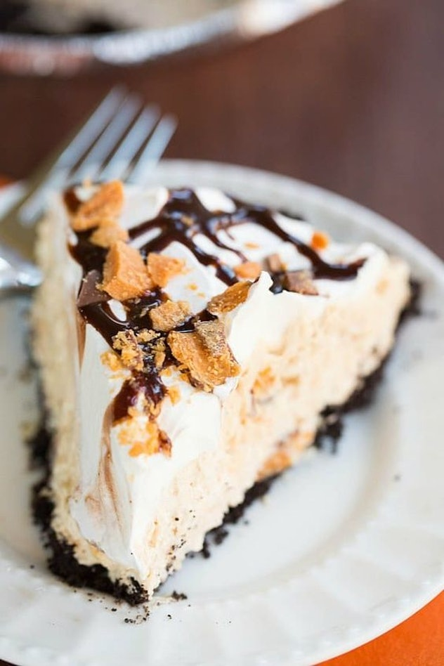 Things To Make With Leftover Halloween Candy, No-Bake Butterfinger Pie