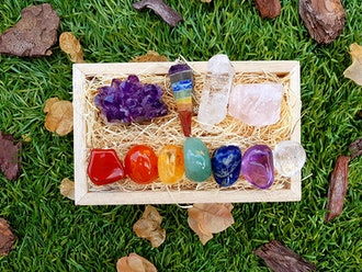 Premium Healing Crystals Gift Kit in Wooden Box