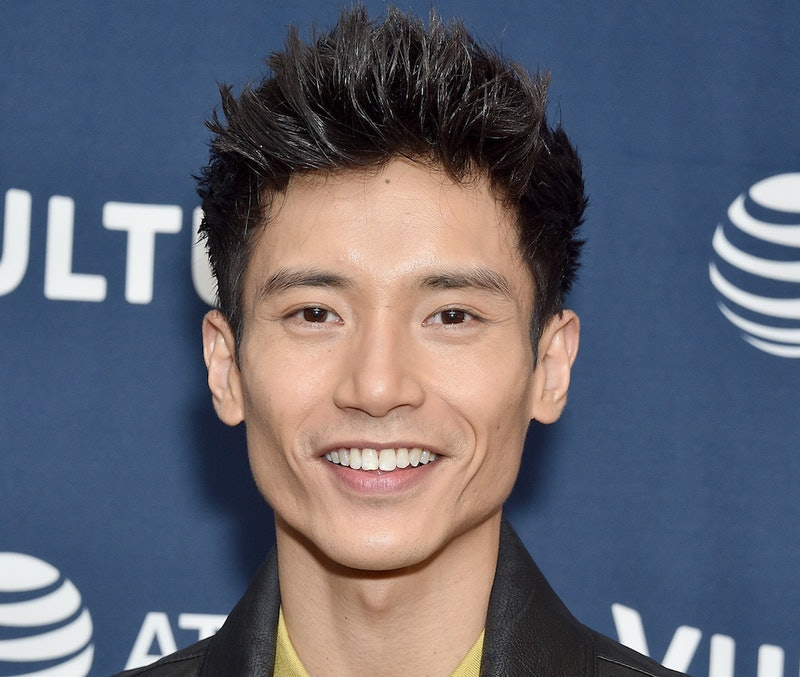 """""""The Good Place"""" inspired Manny Jacinto to propose to his girlfriend"""