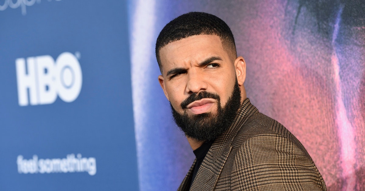 Watch Drake get booed off stage at Camp Flog Gnaw Festival