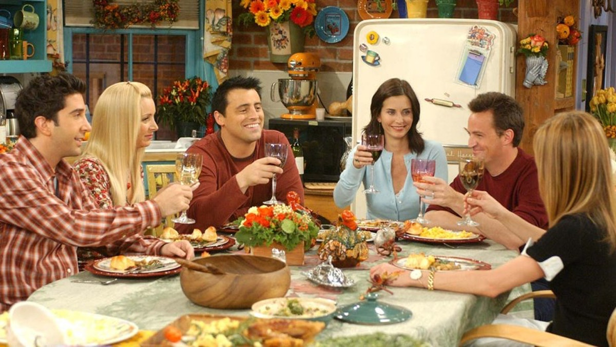 The cast of Friends around a Thanksgiving table