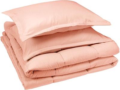 AmazonBasics Comforter Set