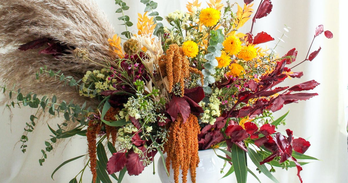 7 Floral Arrangements For Fall Dinner Parties That Take Your Table To The Next Level