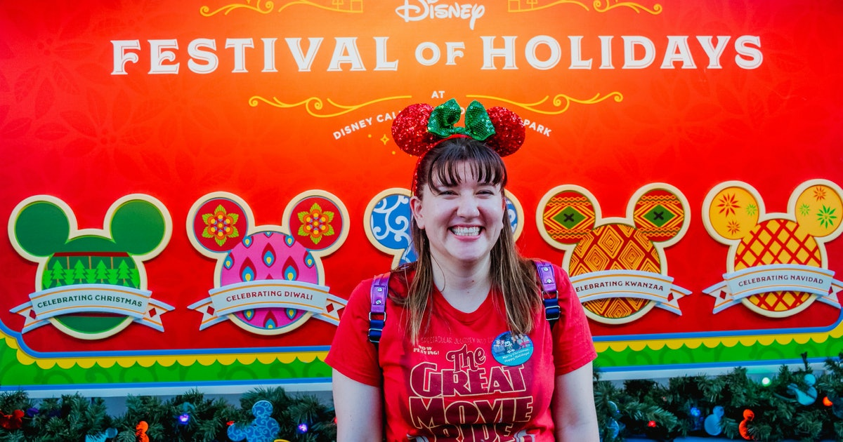 6 Festive Things To Wear To Disney For The Best Holiday Instas