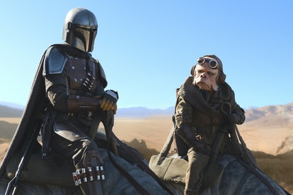 Pedro Pascal an Nick Nolte on Blurrgs in The Mandalorian.