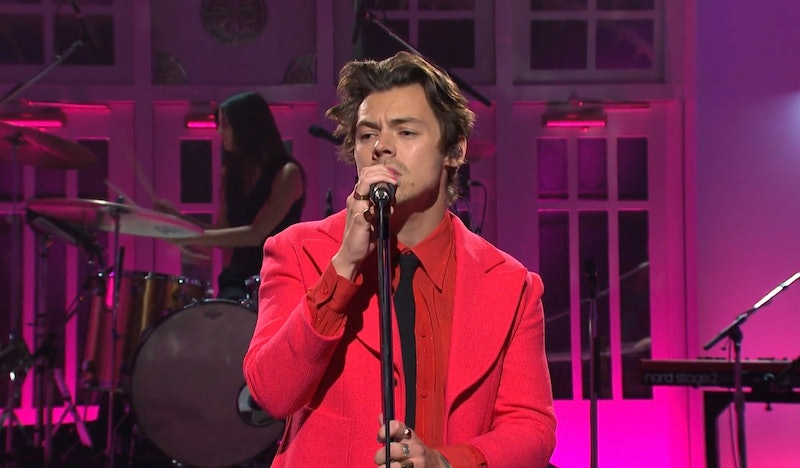 """Harry Styles performed his new single """"Watermelon Sugar"""" on Saturday Night Live's Nov. 16 episode."""
