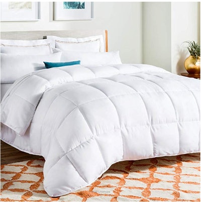 LINENSPA All-Season White Down-Alternative Quilted Comforter