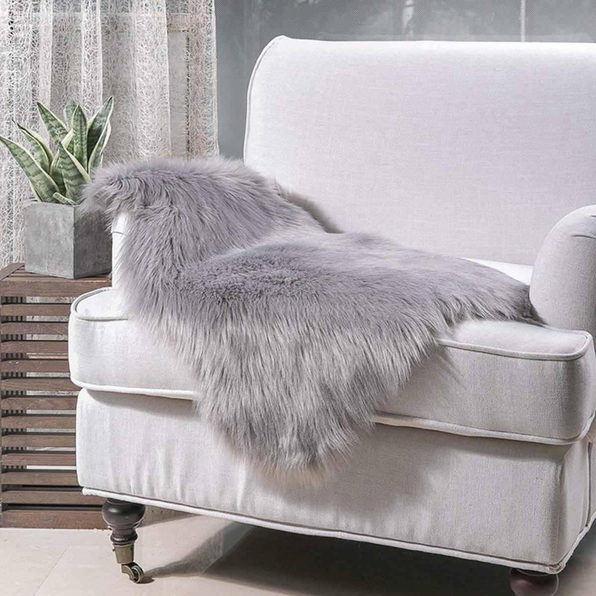 Noahas Faux Fur Seat Cushion