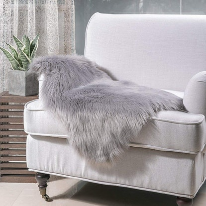 Noahas Faux Fur Seat Cushion