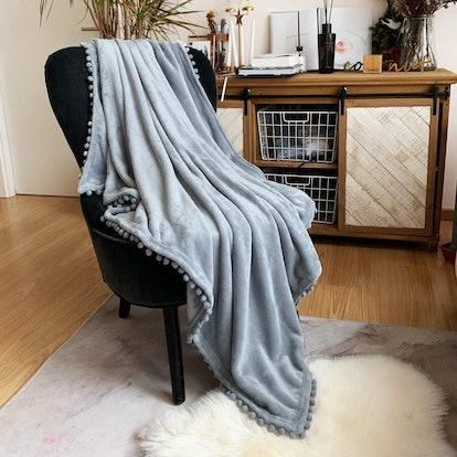 LOMAO Flannel Blanket