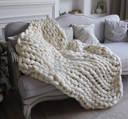ERLYEEN Chunky Knit Blanket