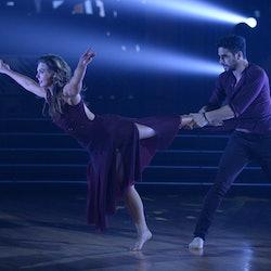 Hannah Brown and Alan Bersten in Week 10 of DWTS.