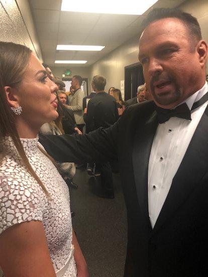 Hannah Brown meets Garth Brooks at the CMA awards in Nashville.
