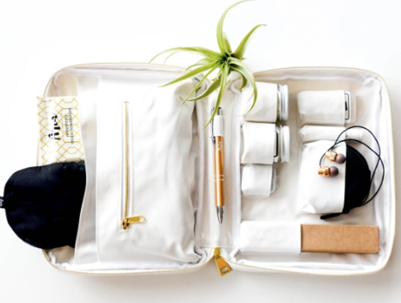 Aria Travel Kit makes the perfect gift for your friends who love Instagram.