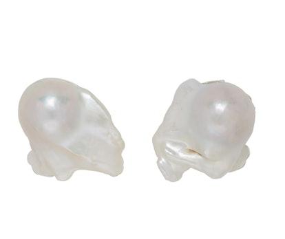 White Assemblage Pearl Bracelet