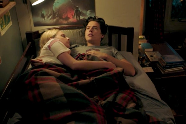 A 'Riverdale' cliffanger shows Betty and Jughead being secretly filmed in bed.