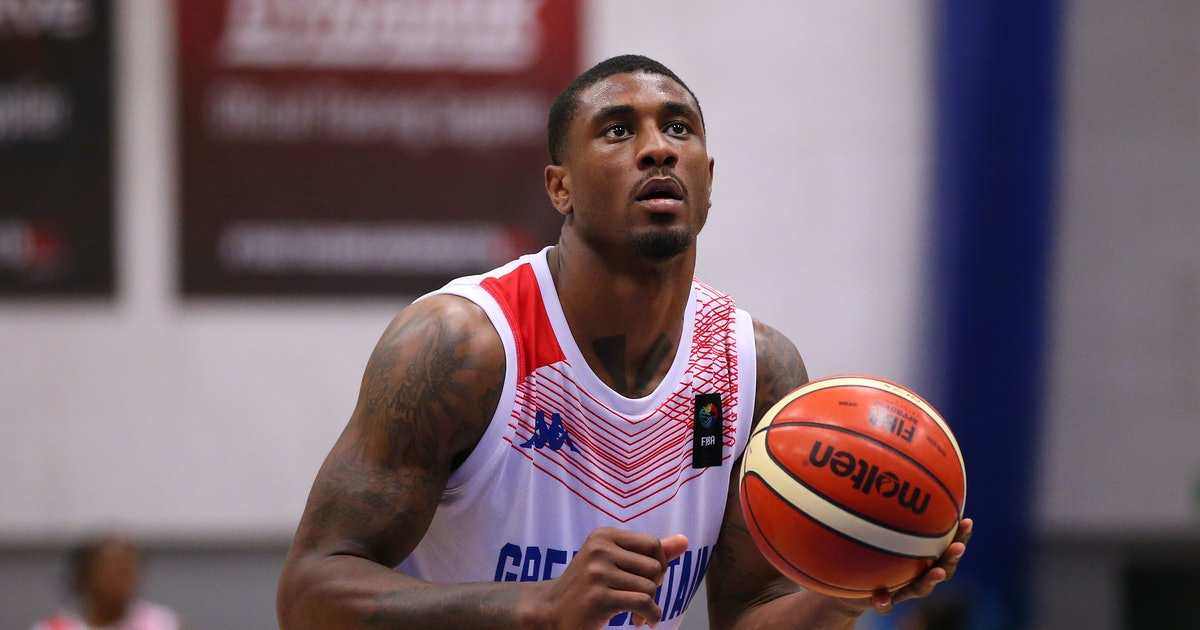 'Love Island's Ovie Has Signed A Permanent Deal With The London Lions Basketball Team