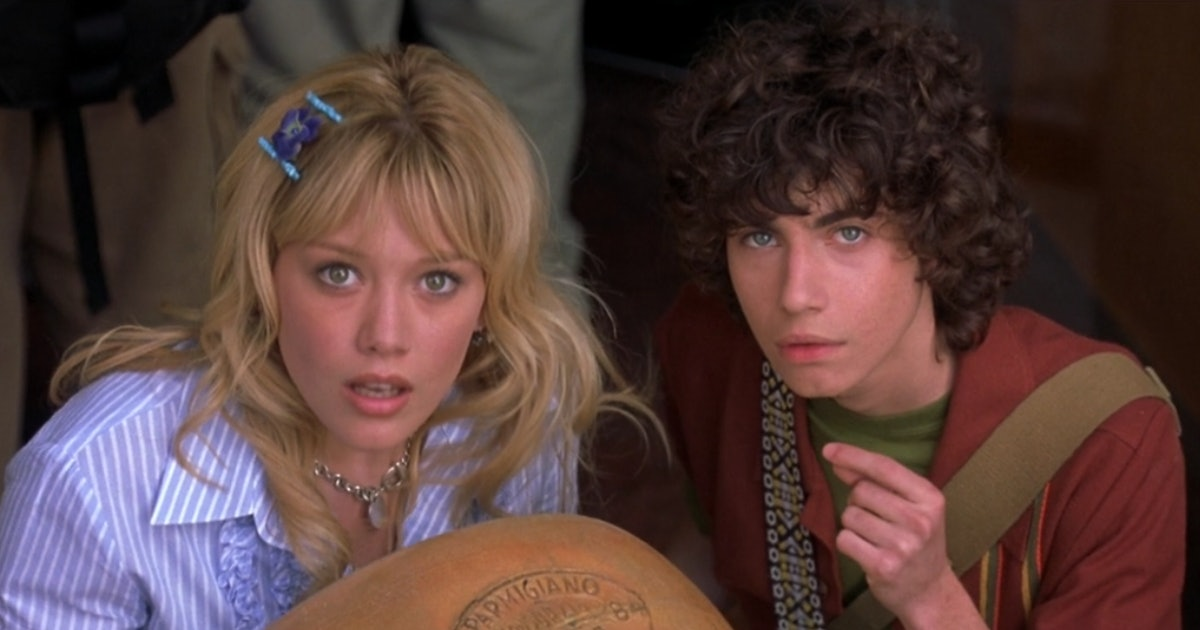 Gordo & Lizzie Are Together Again In This 'Lizzie McGuire' Reboot Photo