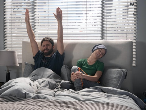 """MILLION LITTLE THINGS – """"goodnight"""" – A fellowship opportunity for Maggie forces Gary to reconsider his own future as the group must come together after a devastating loss on a new episode of """"A Million Little Things,"""" airing THURSDAY, NOV. 14 (9:01-10:01 p.m. EST), on ABC. (ABC/Jack Rowand) JAMES RODAY, ALLISON MILLER"""