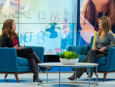Bradley Jackson (Reese Witherspoon) and Alex Levy (Jennifer Aniston) in 'The Morning Show'