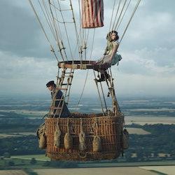 Eddie Redmayne and Felicity Jones in 'The Aeronauts'