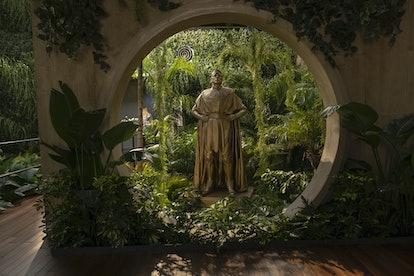 The Ozymandias statue in 'Watchmen'