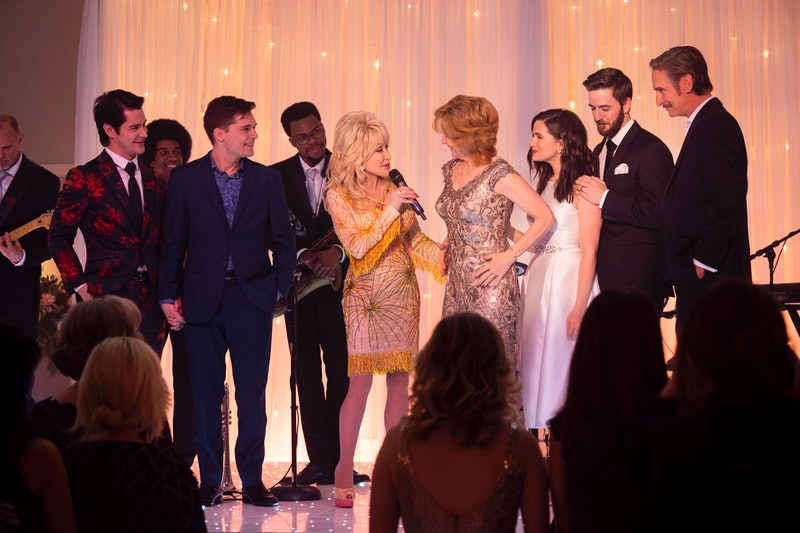 Michael J. Willett, Andy Mientus, Dolly Parton, Melissa Leo, Katie Stevens, Robbie Cox, and Ray McKinnon in Dolly Parton's Heartstrings