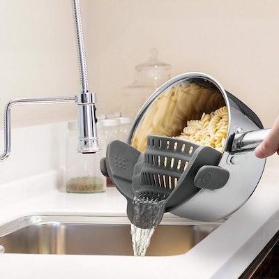 Kitchen Gizmo Snap 'N Strain Strainer