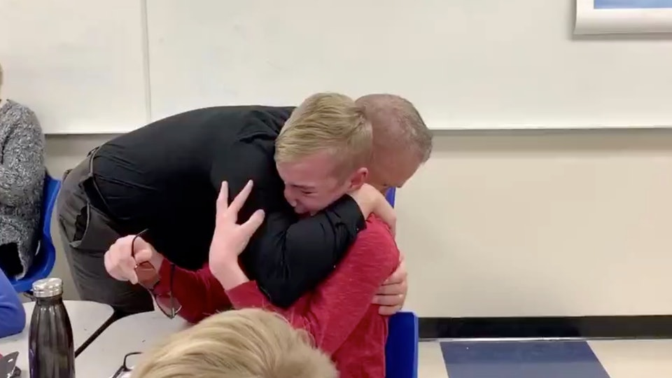 This colorblind boy seeing color for the first time is so emotional.