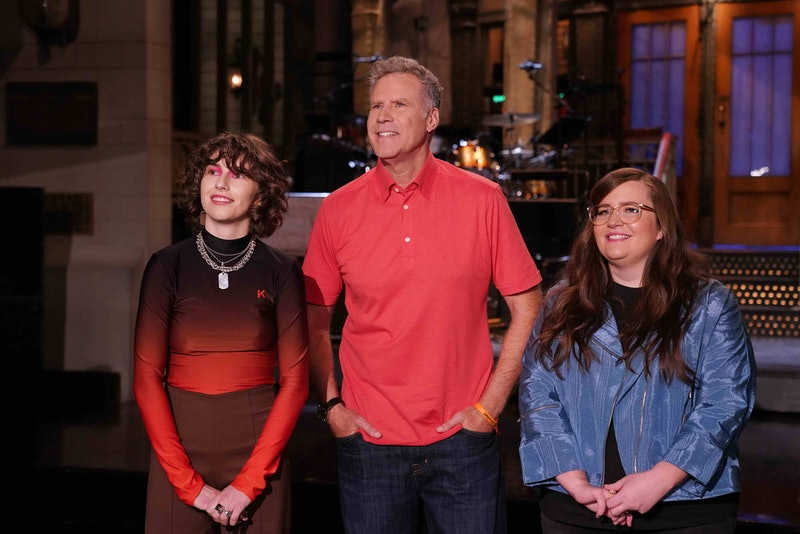 Will Ferrell's 'SNL' monologue was an ode to his fandom of Ryan Reynolds