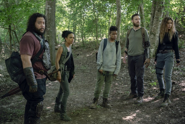 Cooper Andrews as Jerry, Ross Marquand as Aaron, Lauren Ridloff as Connie, Angel Theory as Kelly, and Nadia Hilker as Magna in The Walking Dead Season 10, Episode 8