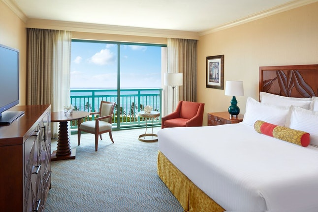 Atlantis, Paradise Island is offering different savings each day of their Five Days of Saving, from Thanksgiving Day to Cyber Monday.