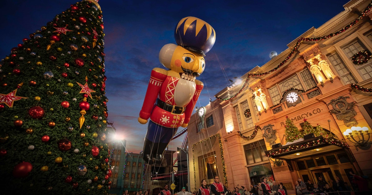 Universal Orlando Resort's Holidays Celebration Is Filled With All The Festive Things