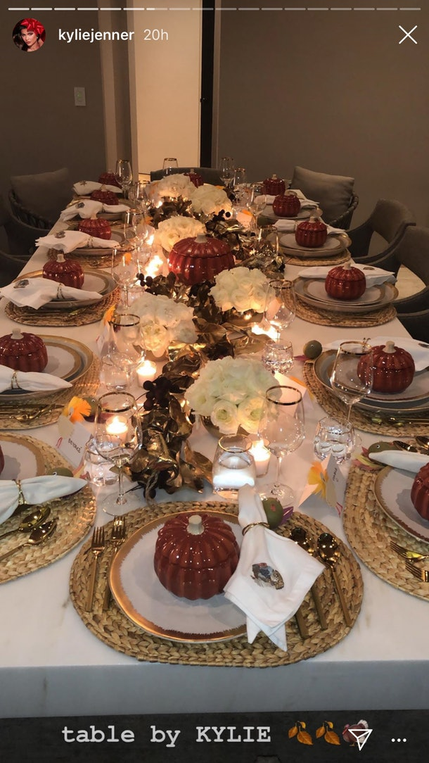 Photos Of Kylie Jenner's 2019 Friendsgiving Are So Glamorous