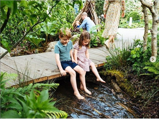 """Prince George & Princess Charlotte went barefoot in the """"Back To Nature"""" garden their mom created for the Chelsea Flower Show."""