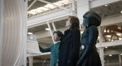 Jolie Hoang-Rappaport as Bian, Jean Smart as Laurie Blake, and Regina King as Angela Abar in Watchmen