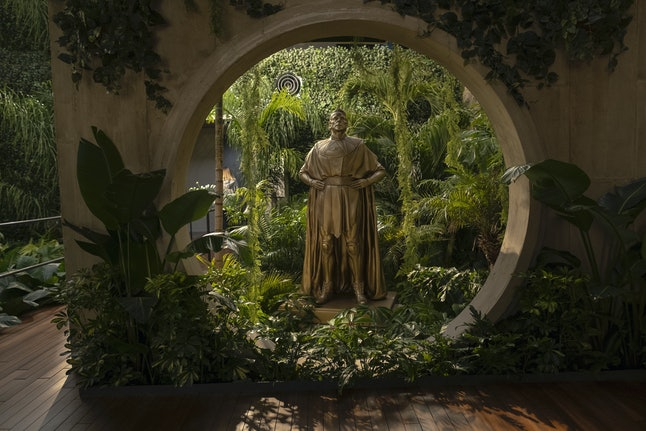 Statue of Adrian Veidt in Watchmen