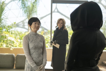 Hong Chau as Lady Trieu and Jean Smart as Laurie Blake in Watchmen