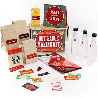 DIY Gift Kits Hot Sauce Kits (7 Bottles)