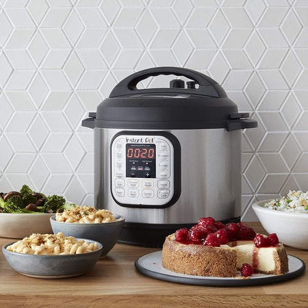 Instant Pot DUO80 8 Qt 7-in-1 Multi-Use Programmable Pressure Cooker