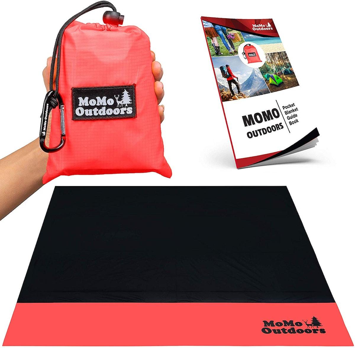 MoMo Outdoors Pocket Blanket