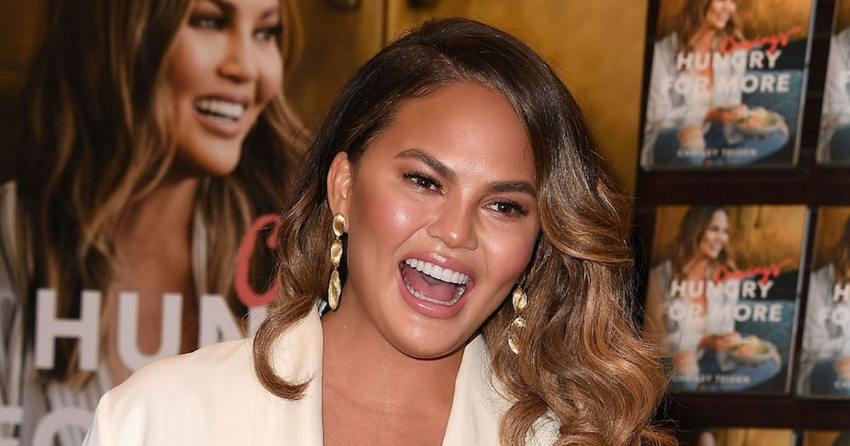 Chrissy Teigen's Cravings Website Crashed & She Responded With A Meme