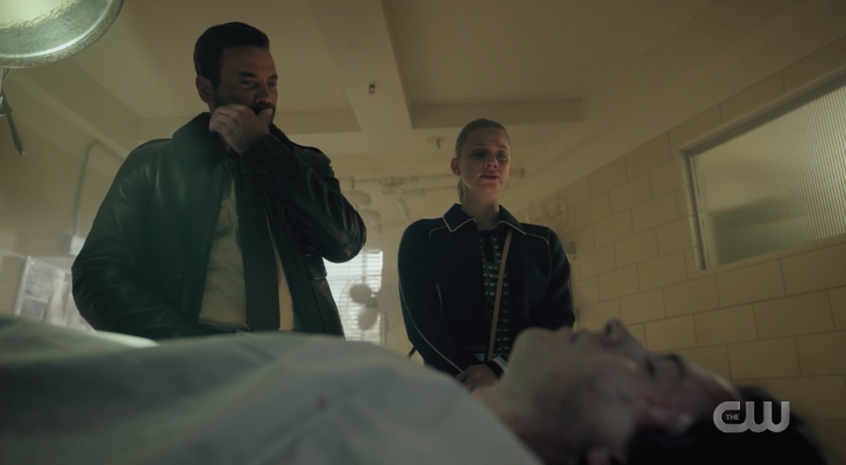 FP and Betty looking at what appears to be Jughead's dead body on 'Riverdale'