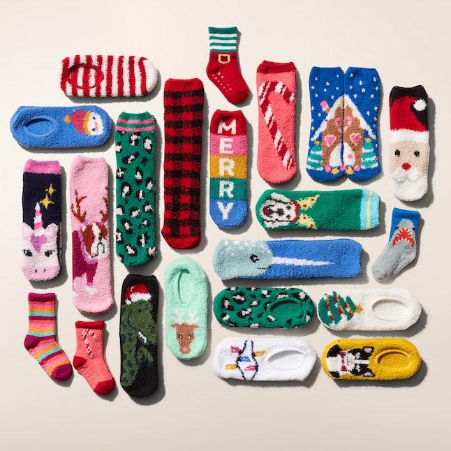 Old Navy $1 sock sale is back in November.