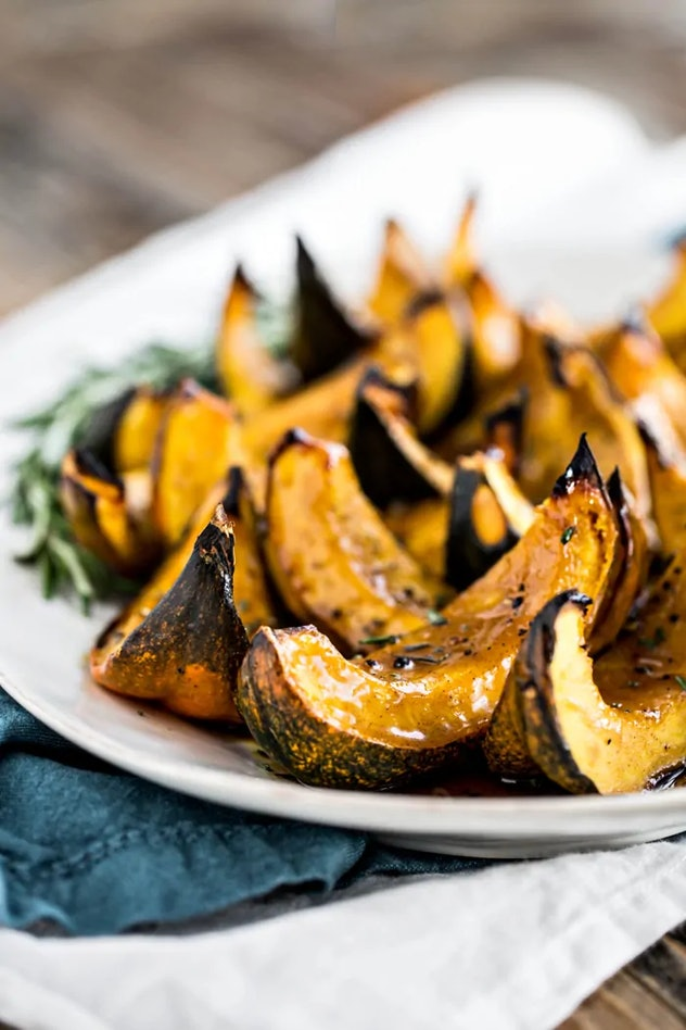 sheet pan thanksgiving sides, apple cider roasted squash