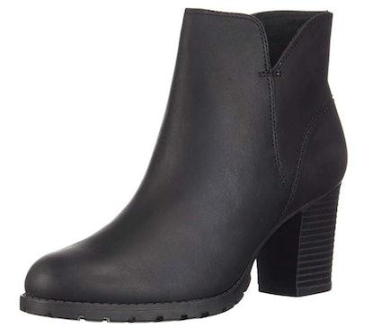 CLARKS Women's Verona Trish Fashion Boot
