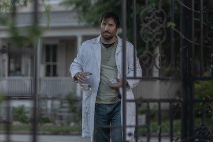 Juan Javier Cardenas as Dante in The Walking Dead Season 10