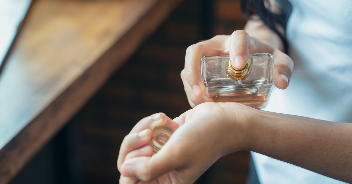9 Long-Lasting Winter Perfumes That Won't Lose Their Scent In Cold Weather