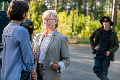 Lauren Cohan as Maggie Greene, Jayne Atkinson as Georgie, and Misty Ormiston as Midge in The Walking Dead Season 8
